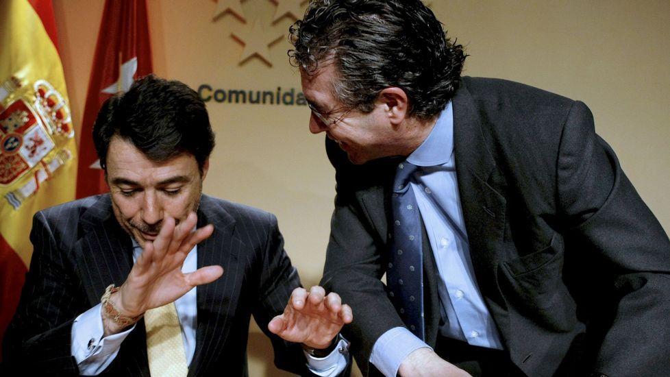 Ignacio Gonzalez: «Yo no he hecho nunca nada ilegal».Alejandro Legarda (izquierda) y Fernando Herce en una imagen de archivo.
