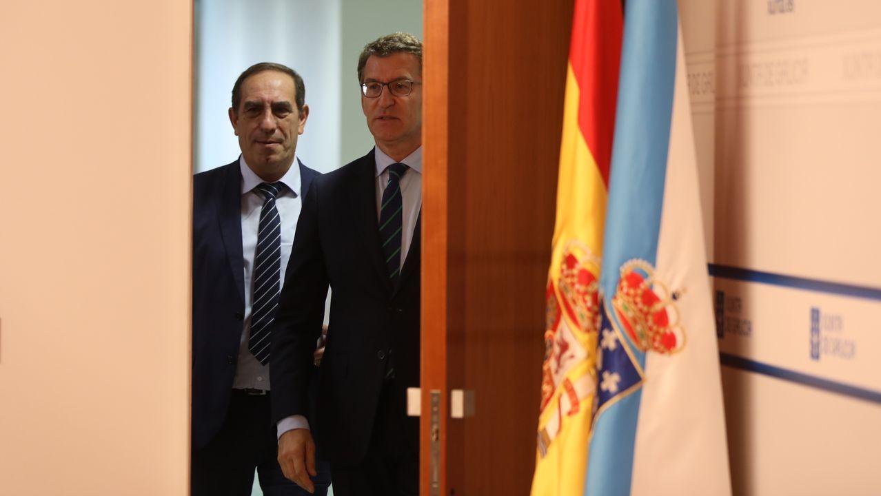 «En las redacciones de los periódicos era difícil sustraerse a los anuncios y el seguimiento informativo de las obras que iban salpicando por Galicia alcaldes, conselleiros y ministros»