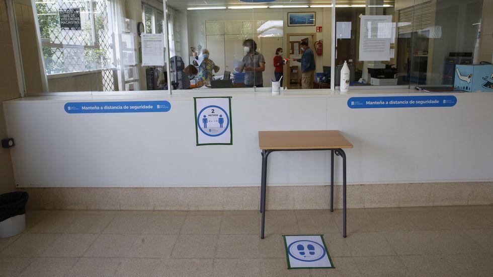 Portugal y Galicia vuelven a acercar a sus trabajadores.La Xunta ha repartido pegatinas en los centros para recordar a los usuarios la importancia de mantener las medidas de seguridad