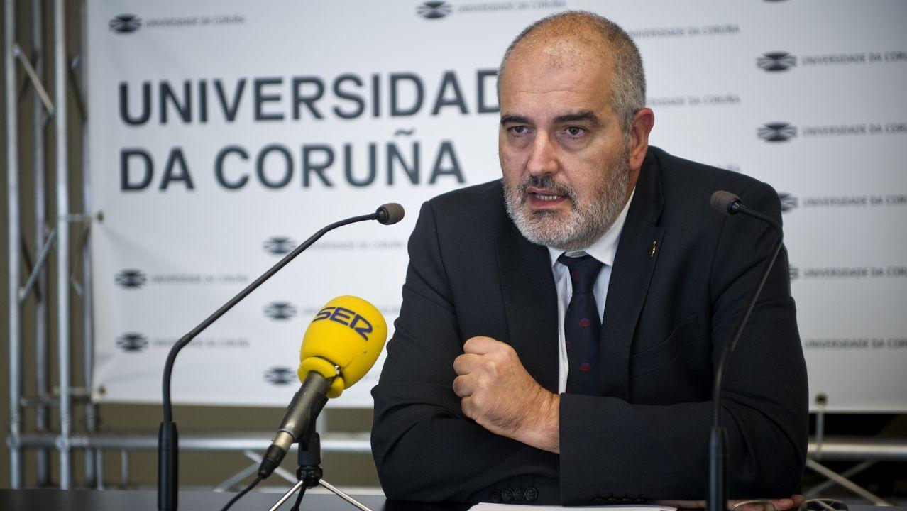 Martínez Abella, durante el acto de presentación de su candidatura en el Rectorado de A Coruña