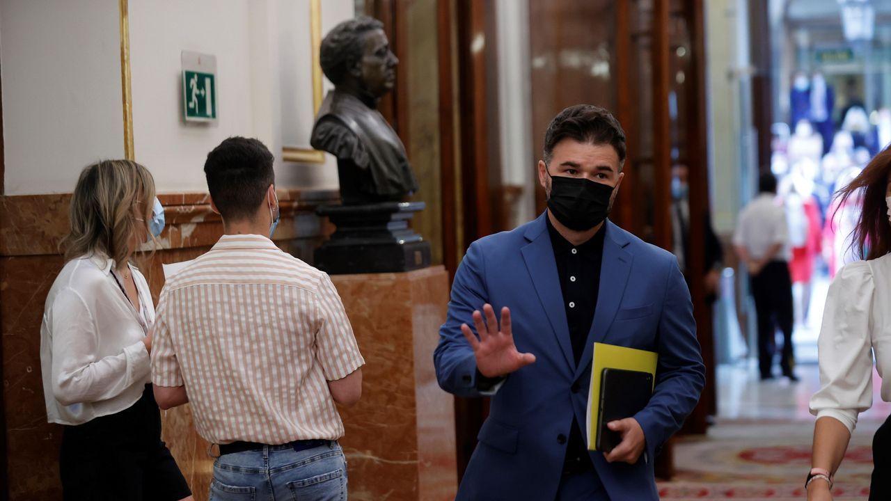 El portavoz de ERC, Gabriel Rufián, este miércoles, a su llegada al pleno del Congreso.