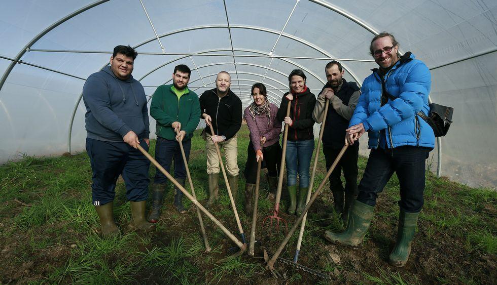Los siete productores sacarán en junio su primera cosecha en común.