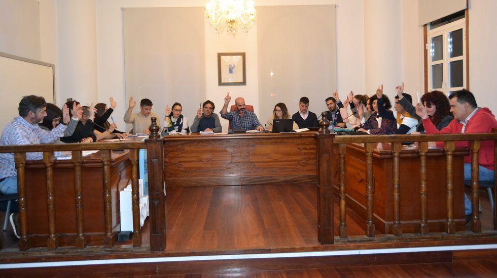 Los supervivientes desembarcaron en Portonovo.Artesa Rías Baixas recibió una suvención del GALP Ría de Pontevedra para una furgoneta de carga mixta