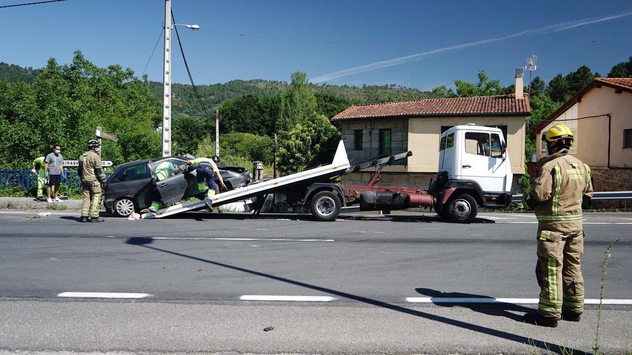 El coche volcó en Quintela de Canedo