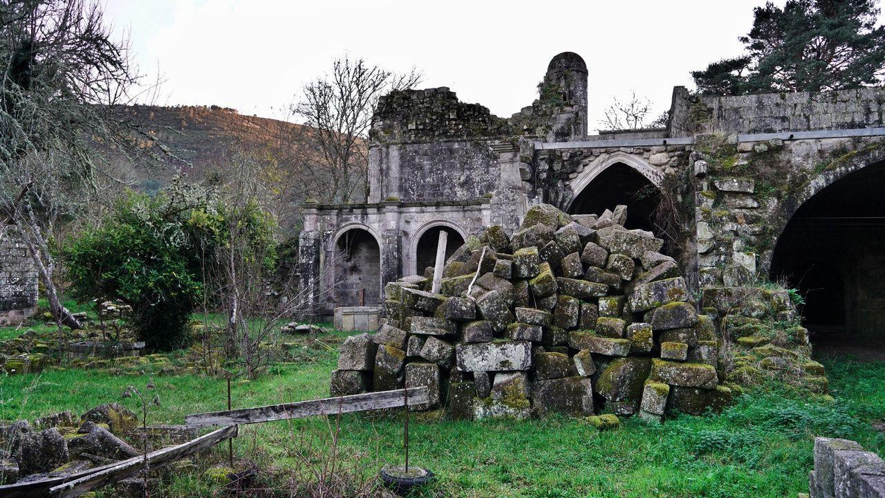 Melón sigue esperando por la rehabilitación del monasterio.En el obispado de Ourense no pierden la esperanza de hallar los anillos restantes
