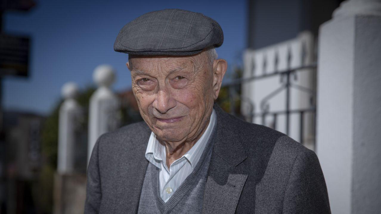 Manuel Federico Quintáns, de 102 años, es vecino de Negreira