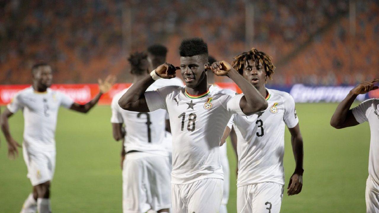 Obeng celebra el tanto anotado con Ghana