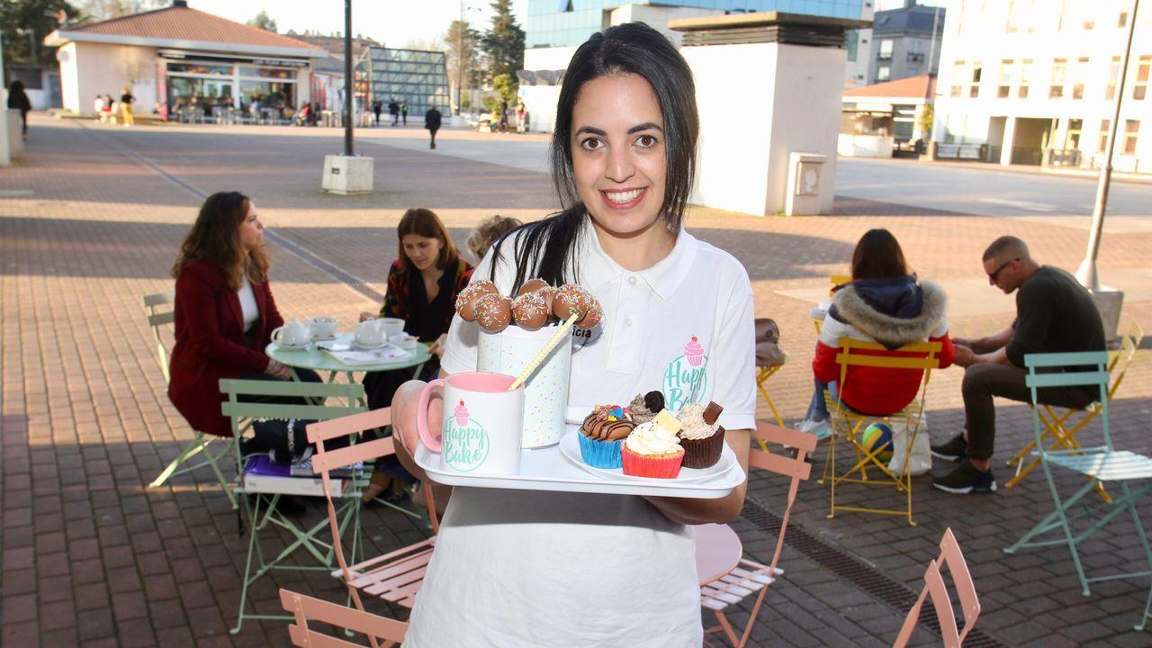 Happy Bake abrió un despacho de café y repostería en la naronesa plaza de Galicia