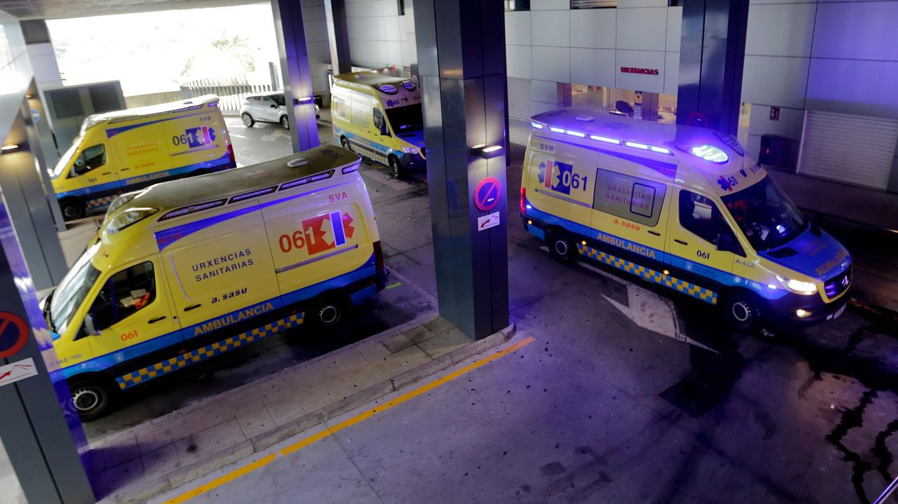 Ambulancias en Urgencias del Chuac