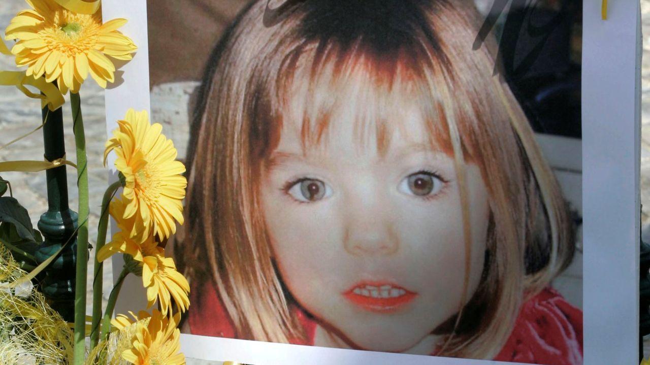 Póster de la pequeña Madeleine, desaparecida en Praia da Luz en mayo del 2007
