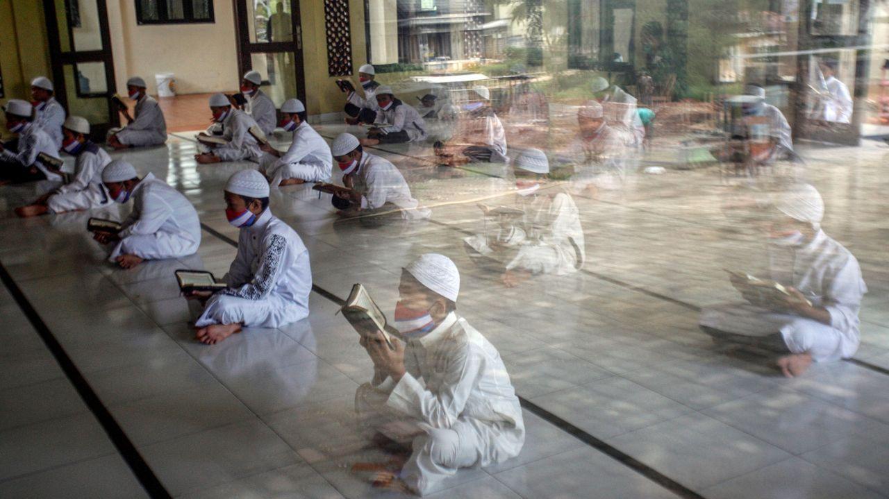 En Indonesia se retrasarán las elecciones locales y regionales a diciembre