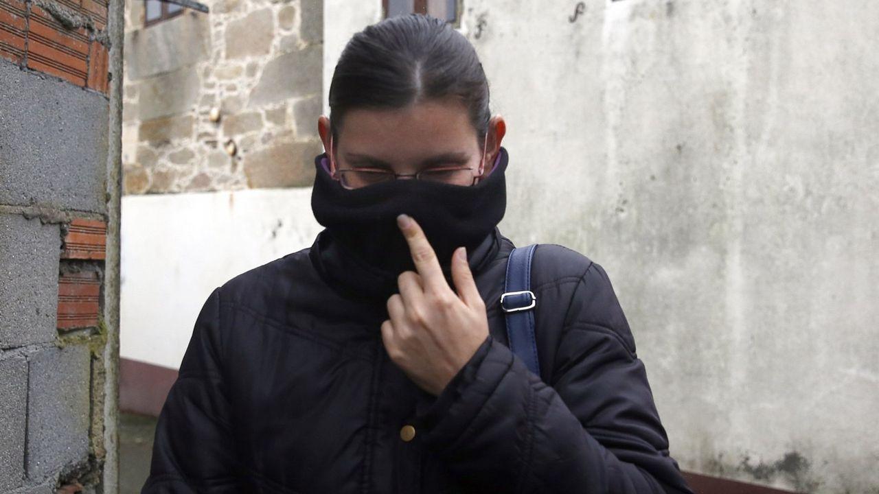 Chicle.La Policia Nacional se retira de los juzgados de Ribeira