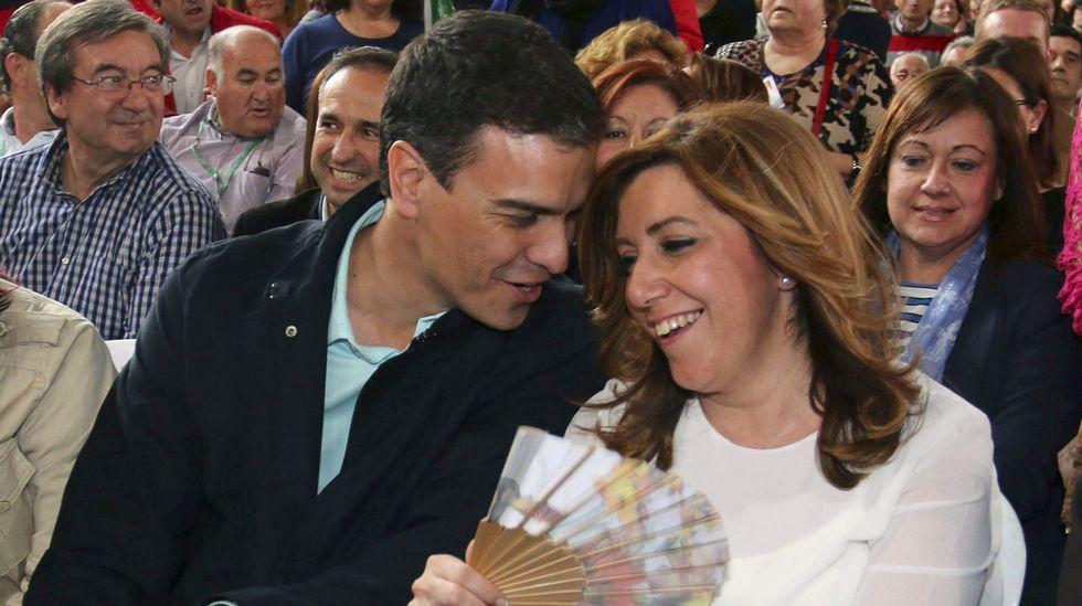 Pedro Sánchez y Susana Díaz, juntos en campaña por primera vez.Mariano Rajoy acompañó a Juanma Moreno en un acto del PP en Granada.