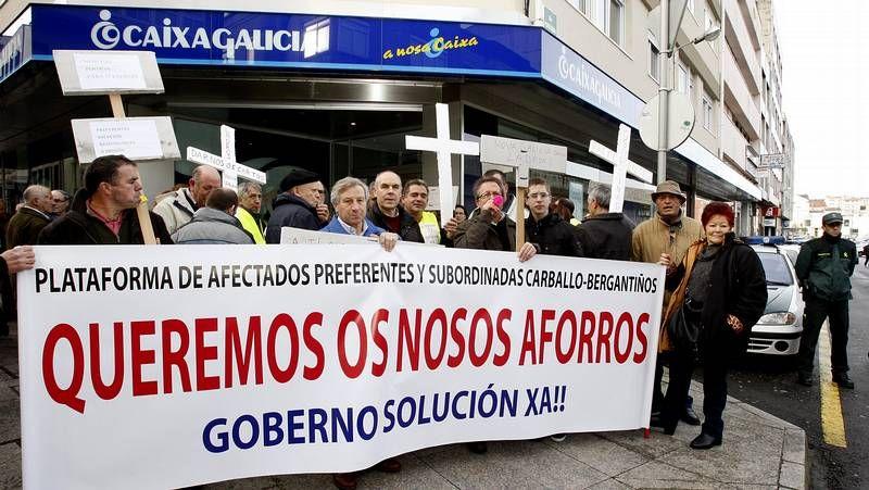 Los manifestantes recorrieron calles céntricas de Carballo