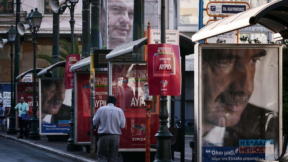Nueva jornada negra en aguas del Egeo.GRECIA VOTA. «El pueblo griego (...) tomará el futuro en sus manos» y «sellará la transición hacia una nueva era», dijo Tsipras en declaraciones transmitidas en directo por la televisión.