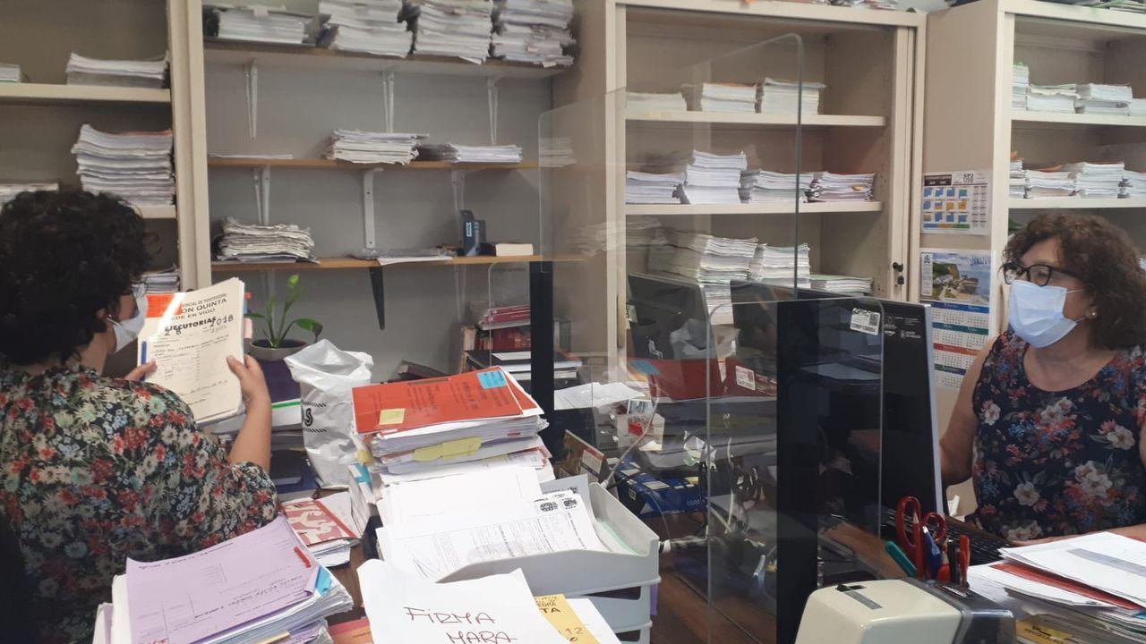 Alberto Núñez Feijóo comparece en San Caetano para abordar la evolución de la crisis sanitaria en Galicia.Cientos de niños participan cada año en el campamento urbano de Amencer