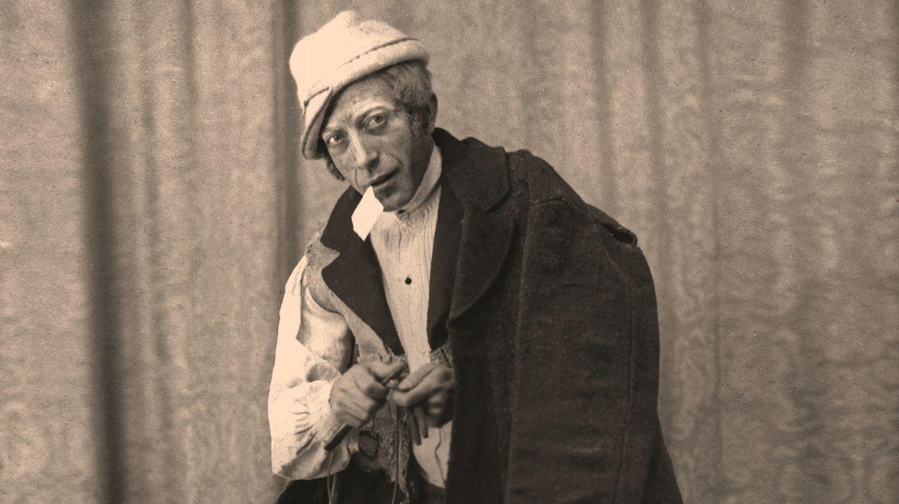 Ksado retratou a Xosé Mosquera caracterizado como O Vello dos Contos