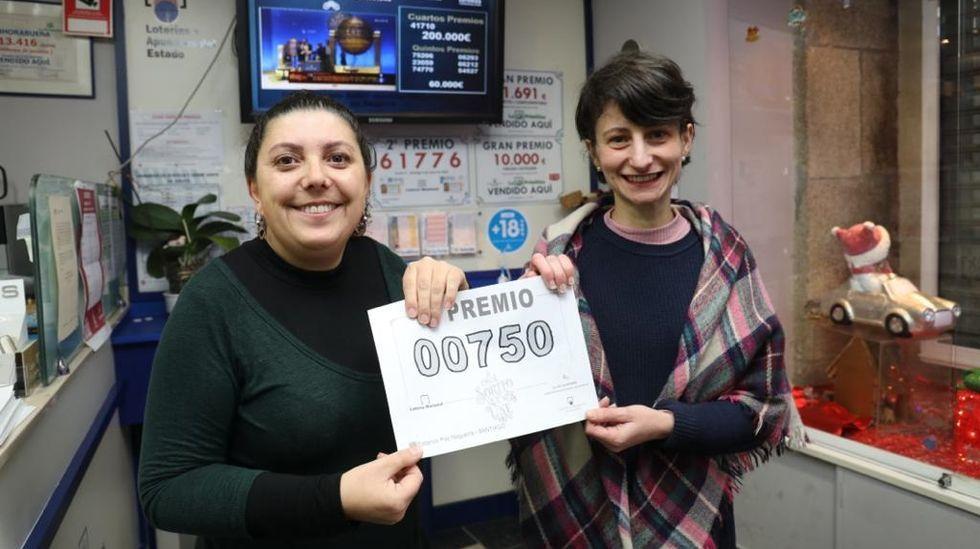 Administración de lotería de O Castiñeiriño, Santiago. Vendieron un décimo del tercer premio 00750