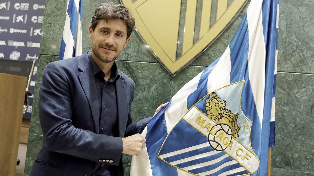 Víctor califica de «injusto» e «indigno» su despido del Málaga.Jon Erice en el Carlos Tartiere