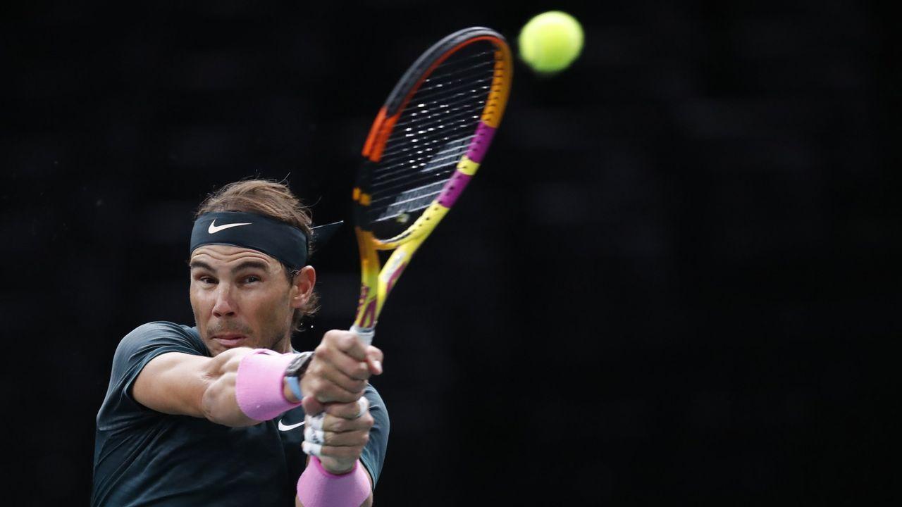 Pablo Carreño, en un golpe de su partido contra el alemán Daniel Altmeier en octavos de final de Roland Garros 2020