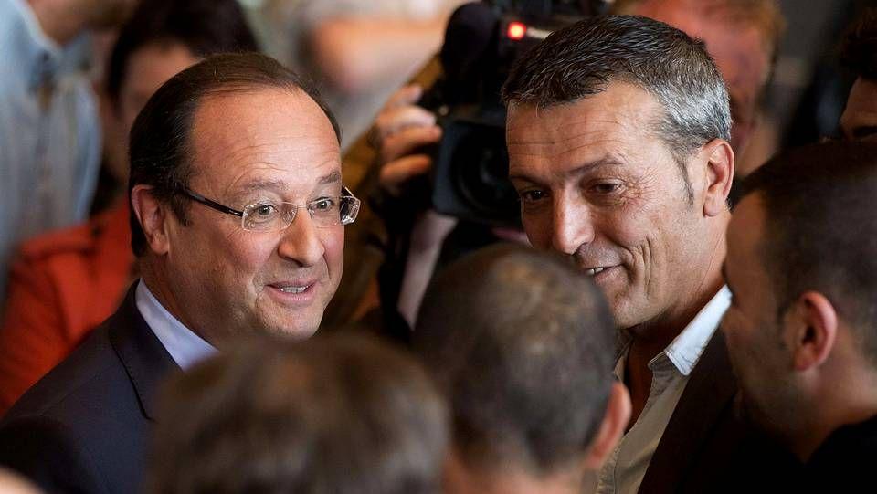 La discutida celebración de Anelka con una «quenelle».Edouard Martin y Francois Hollande, en una imagen del pasado mes