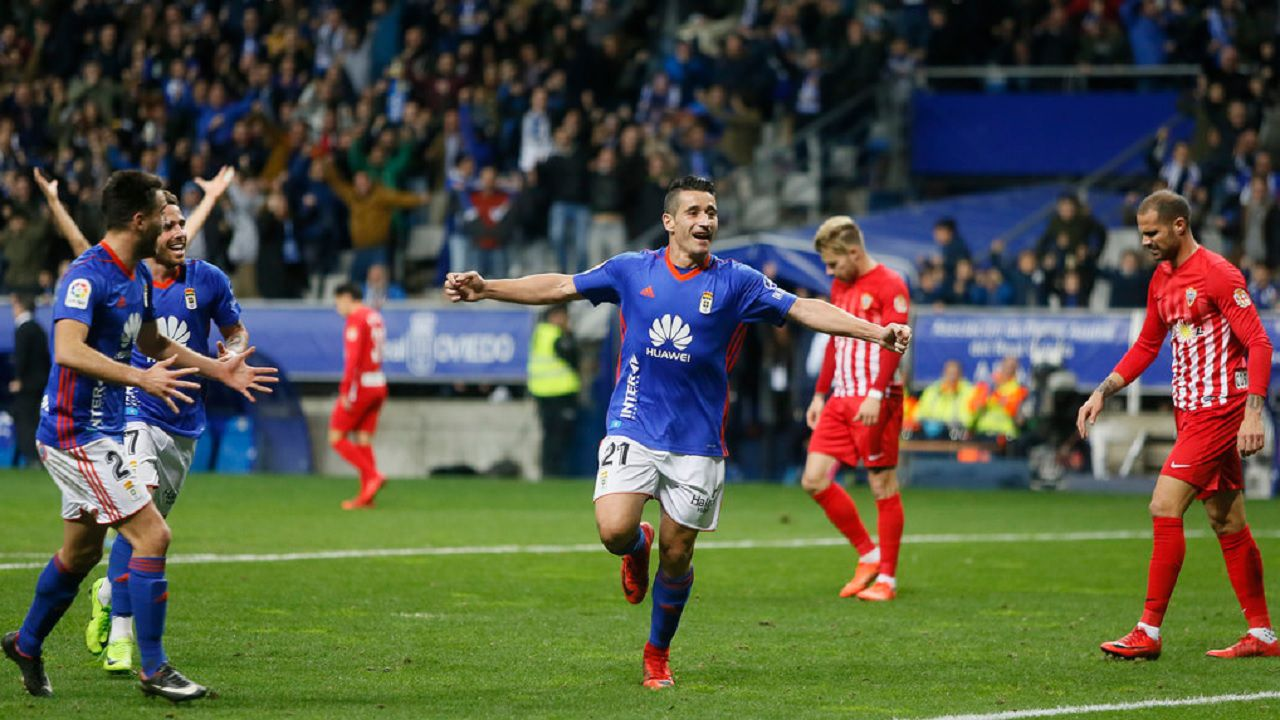 Saul Berjon gol Real Oviedo Almeria Carlos Tartiere.Saul Berjon celebra su gol frente al Almeria