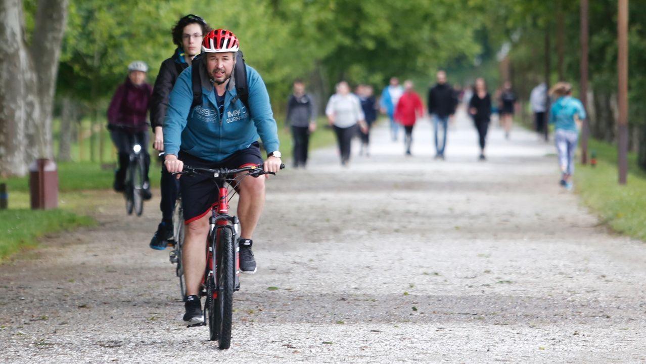 Gente haciendo deporte o paseando por Pontevedra