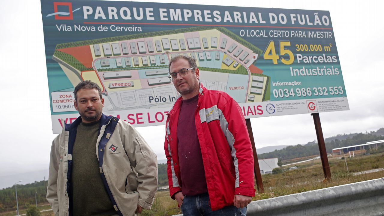 El pueblo del rey del corcho mira a Galicia