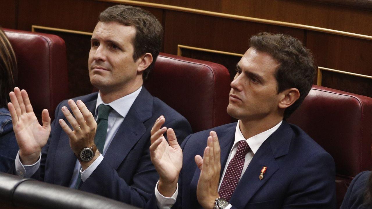 El himno de España se cuela en la ofrenda floral del Govern por la Diada.Pablo Casado y Albert Rivera, los líderes de PP y Ciudadanos
