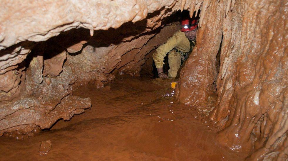 O nivel de humidade no interior da cova de Reibarva é reducido en comparación con outras grutas da zona