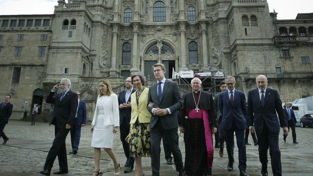 Milagros Otero: «No voy a dimitir».Luís Villares, Martiño Noriega, Jorge Suárez, Xosé Manuel Beiras y Xulio Ferreiro comparecen sonrientes en el acto de fin de campaña de las autonómicas del 2016