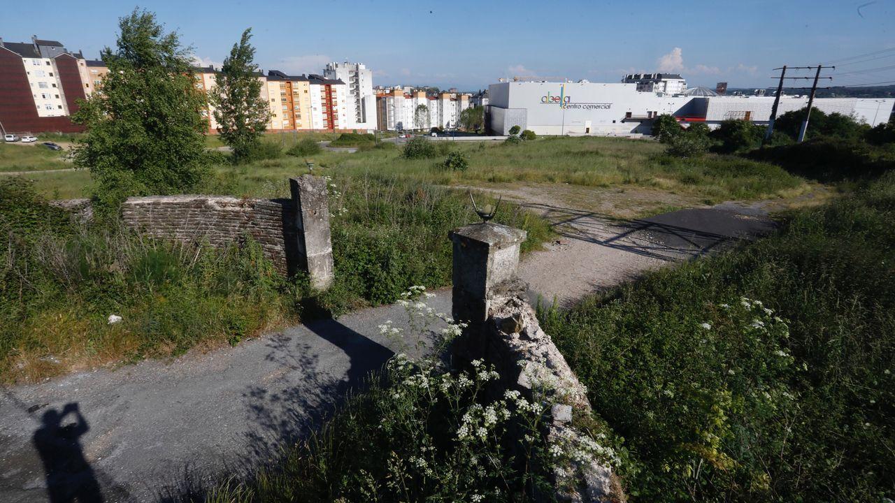 Así avanzan las obras del centro integral de salud de Lugo.La subasta incluye 18 lotes con parcelas urbanas y rústicas