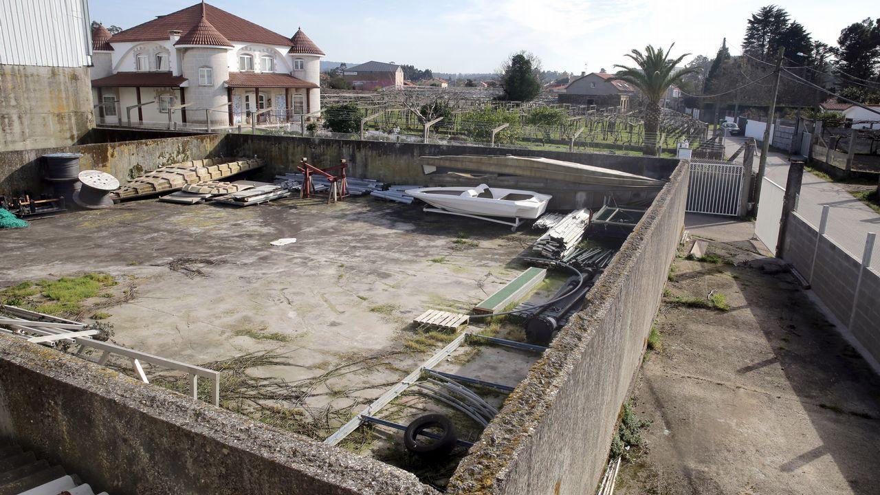 La Guardia Civil libera una partida de aves capturadas en Redondela.La extracción ilegal de agua en pozos es un problema mundial