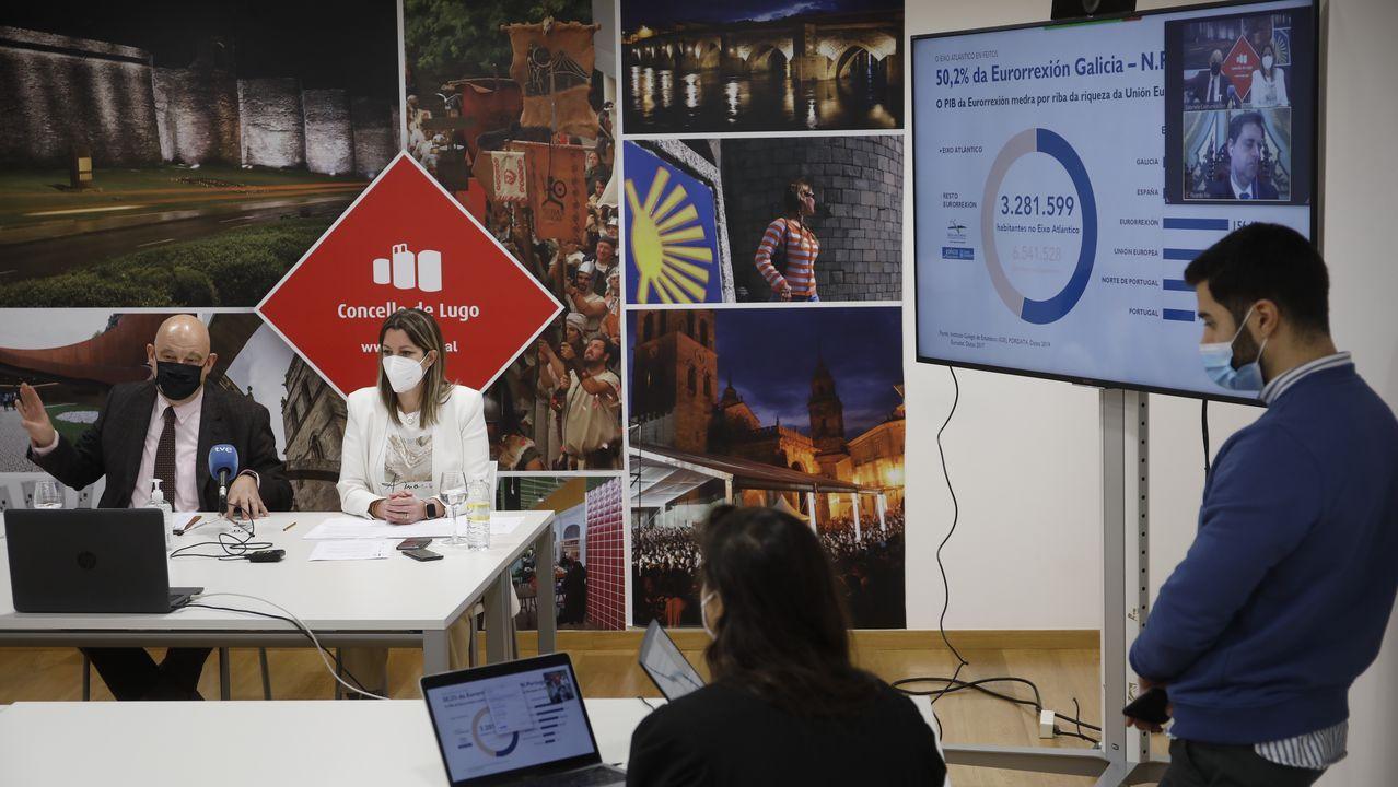 Los palacios de Lugo junto a la Muralla.Lara Méndez y Vázquez Mao presentan la nueva estrategia del Eixo Atlántico