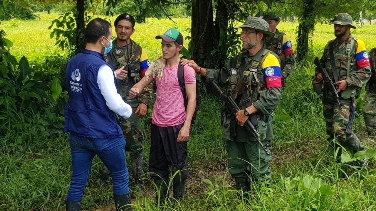 Más de 70 años y varios intentos de desalojo: «Aquí en Lugo hemos pasado frío y mucha miseria».Liberación de un secuestrado en poder de disidentes de las FARC el pasado agosto