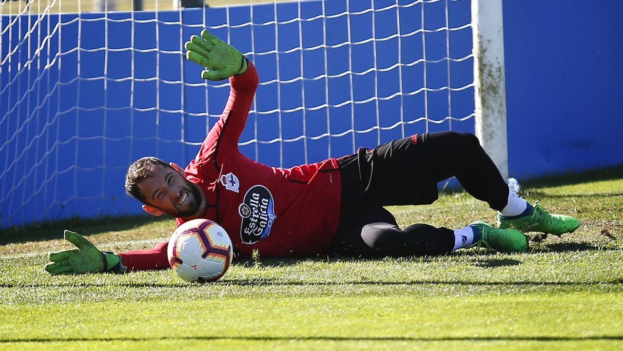 Las mejores imágenes del Deportivo - Almería.Anquela, junto a su cuerpo técnico, en El Requexón