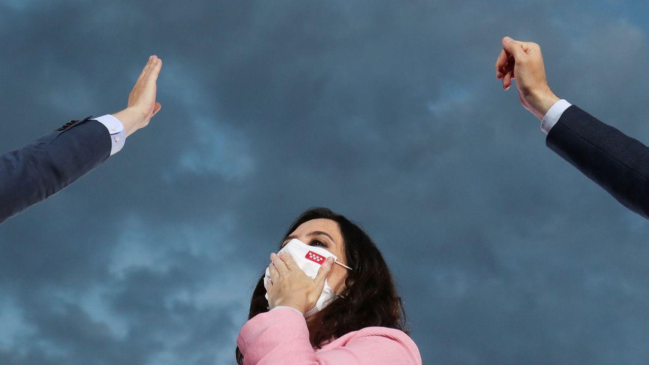 En directo: comparecen Rocío Monasterio y Santiago Abascal.Pablo Casado, después de depositar su voto este martes