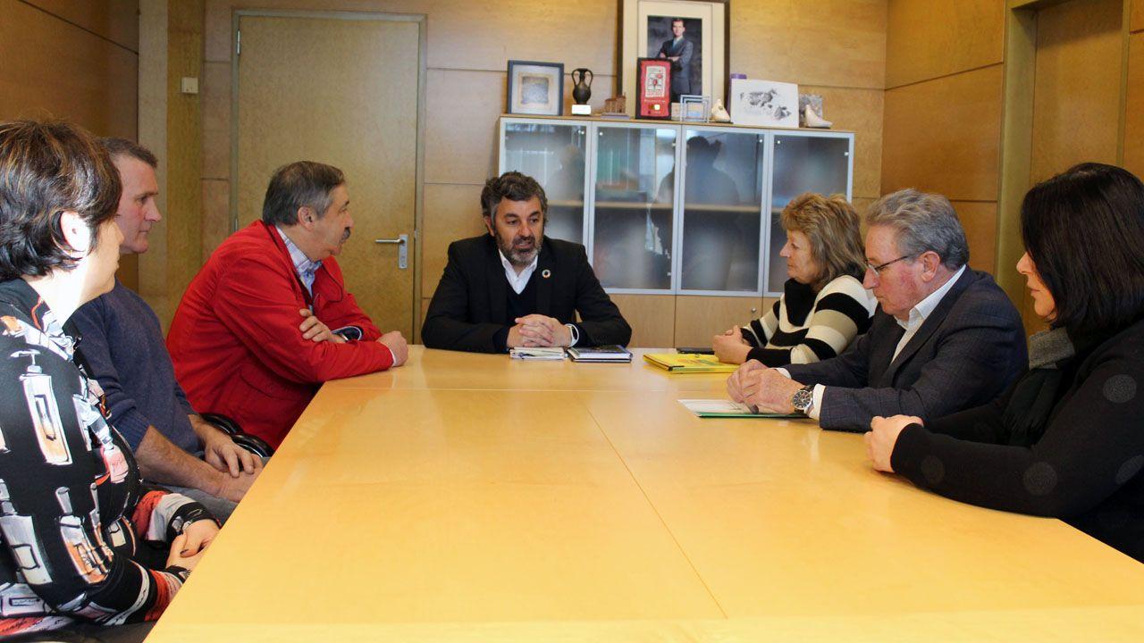 El consejero de Desarrollo Rural, Agroganadería y Pesca, Alejandro Calvo, con los representantes de los sindicatos agrarios ASAJA, COAG y UCA