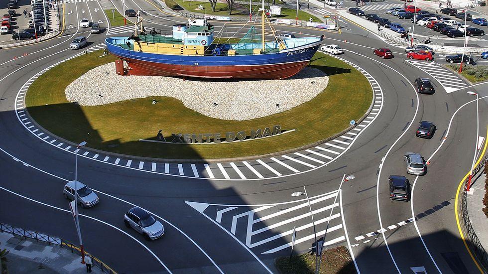 Chequeo a la frontera entre Ferrol y Narón.Alcampo debe renunciar a las tiendas secundarias si quiere implantarse en As Carolinas.