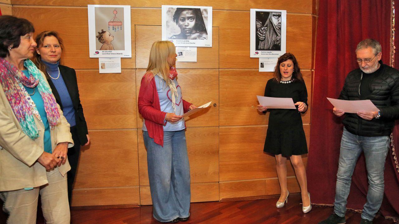 Inauguración exposición Cambados.Casado estrechó la mano en el puerto de Algeciras de algunos de los inmigrantes rescatados