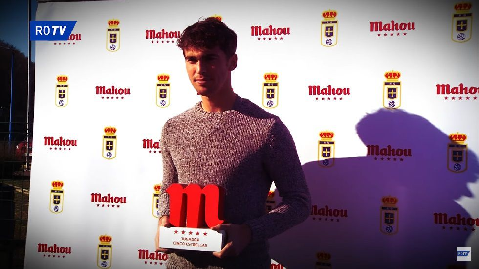 ausbanch.Lucas Torró recibe el premio a Jugador 5 Estrellas de diciembre
