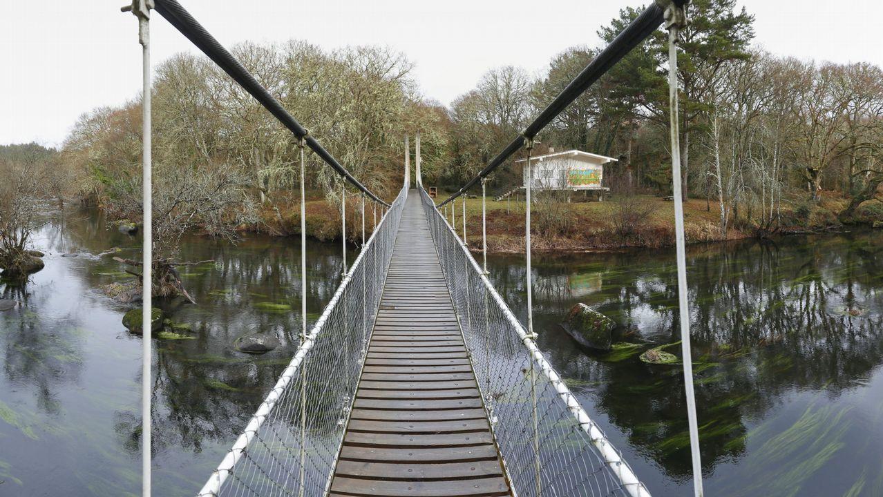 El acceso a la Insua de Seivane, en el Miño, es un puente colgante