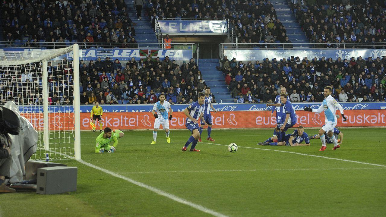 Las mejores imágenes del Alavés - Deportivo.Seedorf lleva siete jornadas al frente del banquillo deportivista