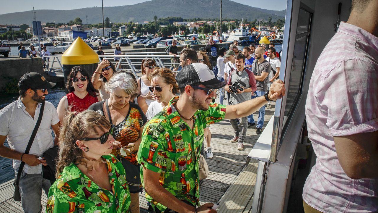 ¡Búscate en el paseo en catamarán del Festival Entrebateas!