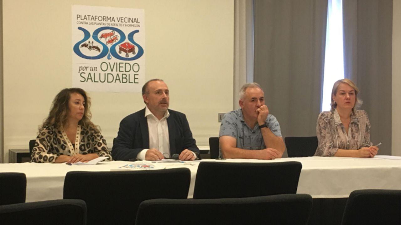 Miembros de la asociación vecinal Por un Oviedo Saludable