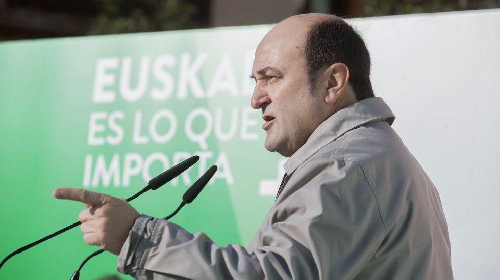 El PSOE asegura que «hay mimbres» para una «alternativa progresista».El acto de Podemos por el Aberri Eguna tuvo muy poco público