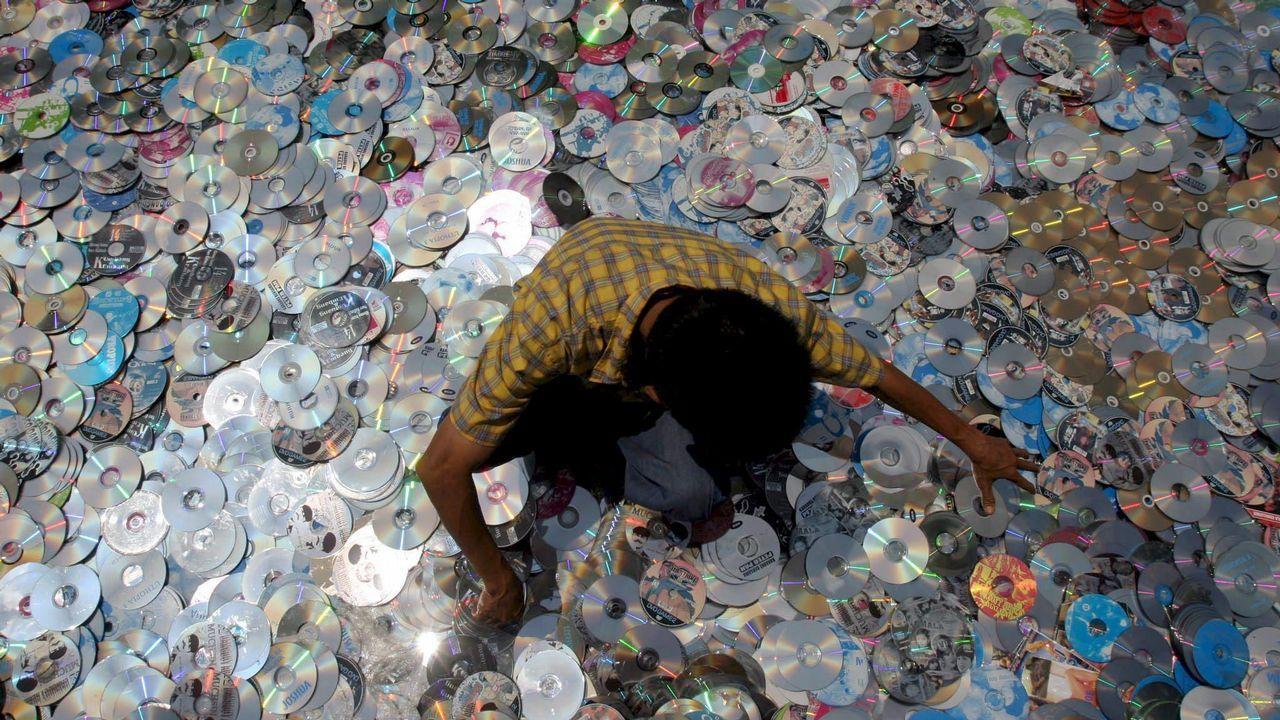 Impulsoal reciclaje en el Camino de Santiago.La acumulación de plásticos en el mar y en la costa es un fenómeno global, como se puede ver en esta imagen de Santo Domingo