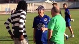 Rudy se presenta a Fernando Vázquez.Varios de los jugadores del filial serán protagonistas en el Dépor la próxima temporada.
