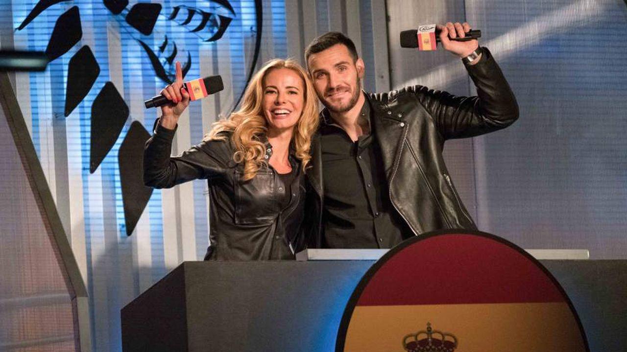 El gran susto de Paula Vázquez.Paula Vázquez y Saúl Craviotto son los presentadores de Ultimate beastmaster España