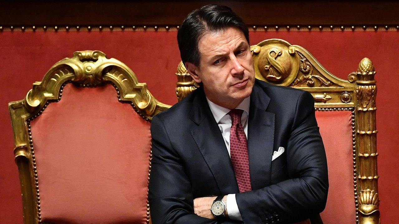 Conte presentó la dimisión antes de la votación de una mocion de confianza presentada por Salvini